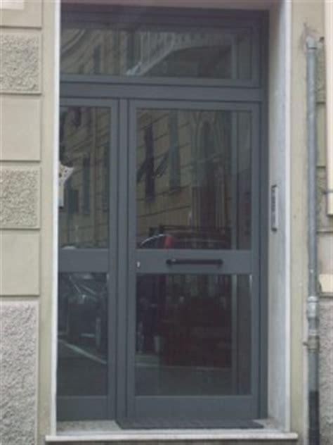 portoni ingresso condominio portone condominiale infissi genova garrone serramenti