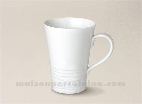 la maison de la porcelaine mug onde porcelaine blanche gravee 10cl maison de la porcelaine