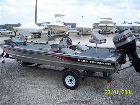 Boat Paint Bass Pro by Bass Boat Parts And Accessories 1997 Tracker Pro Team 18