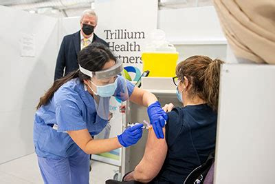 The ontario government is getting more than eight million vaccines between now and the end of july, which means the vaccine rollout plan has been accelerated. General Rick Hillier Visits THP Vaccine Clinic | Media Photo Gallery | Trillium Health Partners