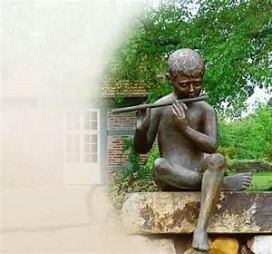 skulptur flotenspieler aus bronze gross fur den garten With französischer balkon mit garten statue groß