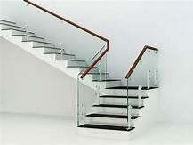 mẫu cầu thang bằng kính đẹp
