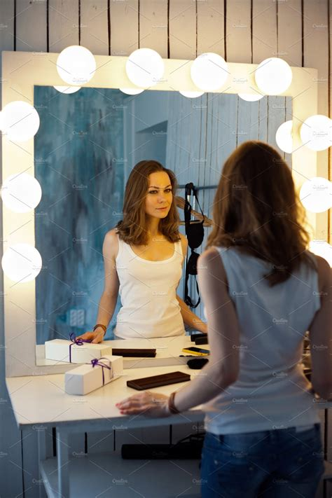 beautiful girl    mirror people