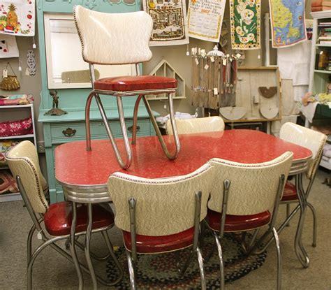 Retro Formica Table Chairs   AllstateLogHomes.com