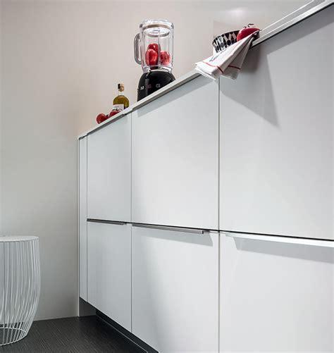 eclairage meuble cuisine led envie d 39 une cuisine épurée mobalpa