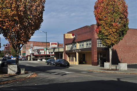 File:Puyallup, WA - east side of 100 & 200 blocks of N ...