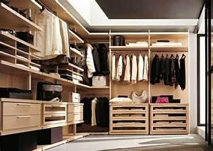 Kleiderschränke Aus Holz : offene kleiderschranksysteme begehbare kleiderschr nke ~ Markanthonyermac.com Haus und Dekorationen