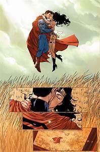 Wonder Woman And Cheetah Kiss
