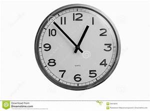 Horloge Murale Blanche : l 39 horloge murale ronde noire et blanche montre presque une ~ Teatrodelosmanantiales.com Idées de Décoration