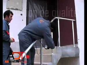 Rampe Pour Escalier : pose d 39 une rampe d 39 escalier youtube ~ Melissatoandfro.com Idées de Décoration