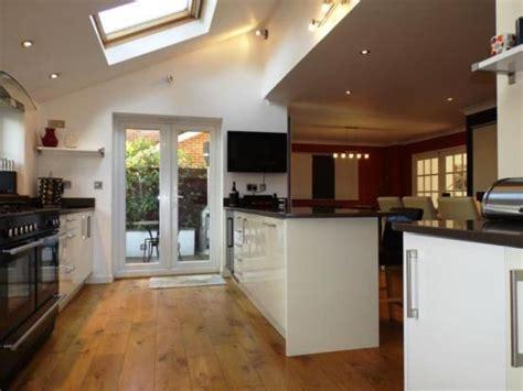 l shaped kitchen diner designs 4 bedroom detached house for in amberslade walk 8843