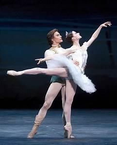 famous famous male ballet dancers