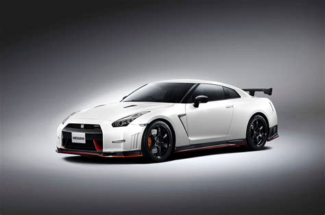 nissan skyline 2015 nissan gt r nismo priced at 151 585 automobile