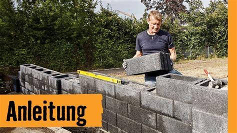 Freistehende Mauer Bauen by Gartenmauer Bauen Mit Hohlsteinen Hornbach