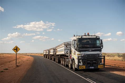 volvo australia trucks volvo trucks 175 tonnes road train through the