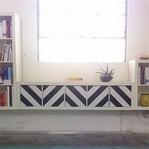 Ikea Hack Expedit : black white panyl chevrons on ikea expedit ~ Frokenaadalensverden.com Haus und Dekorationen