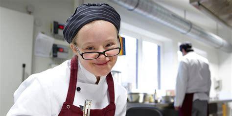 arbeiten in der küche k 252 chen werkstatt der herrmann j 252 lich werkgemeinschaft e v