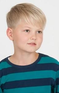 Jungs Frisuren Kinder : kinderfrisuren jungen 2017 ~ Frokenaadalensverden.com Haus und Dekorationen