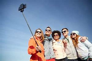 In Defense of the Selfie Stick - Selfie Pole Mamiverse