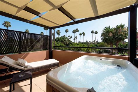lodging with tub the ultimate upgrade top hotels with tubs rooms