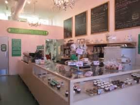 Cute Cupcake Bakery Shop