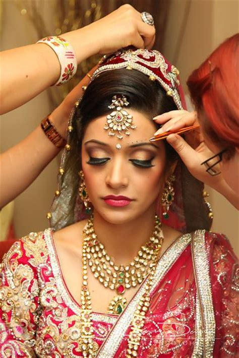 indian bridal wedding makeup step  step tutorial   pictures