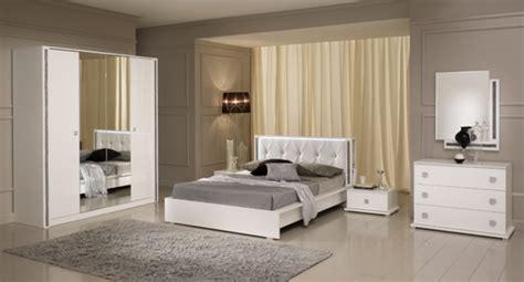 chambre monsieur meuble lit tess chambre a coucher blanc brillant l 180 x h 95 x p 211
