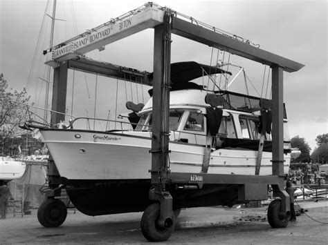 Boat Storage Vancouver Island by Granville Island Boatyard Boat Lifts Repair Services