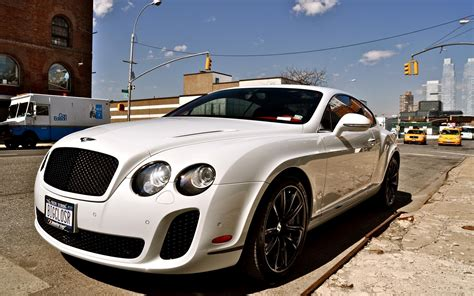 Download Bentley Car Wallpaper