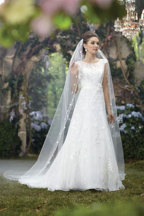 2014 disney princess wedding dresses disney weddings