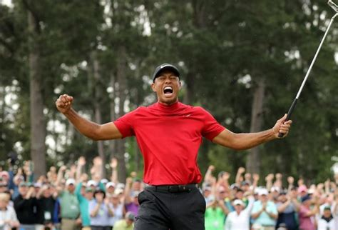 Tiger Woods Wins Masters to End 11 year Trophy Drought ...