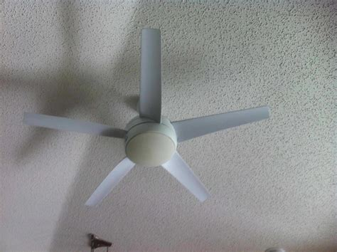 ceiling fan bulb cover hton bay ceiling fan requires new bulbs the home