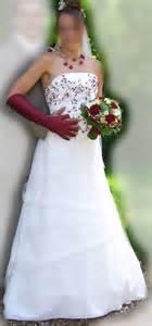 mariage bordeaux robe de mariage bordeaux et ivoire