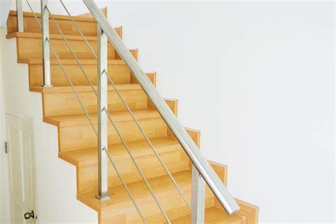 comment peindre un escalier vitrifie peindre un escalier en bois technique et conseils