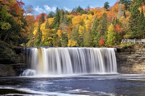 Michigan State Wallpaper Hd Michigan Autumn Forest Trees Waterfall Takwamenon River Tawamenon Falls Tahquamenon River