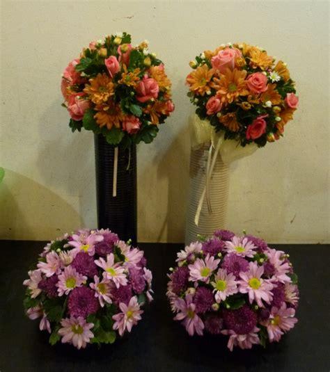 myjottings gubahan bunga  atas meja bentuk bulat