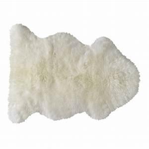 tapis en peau de mouton ivoire 55 x 90 cm maisons du monde With tapis en mouton