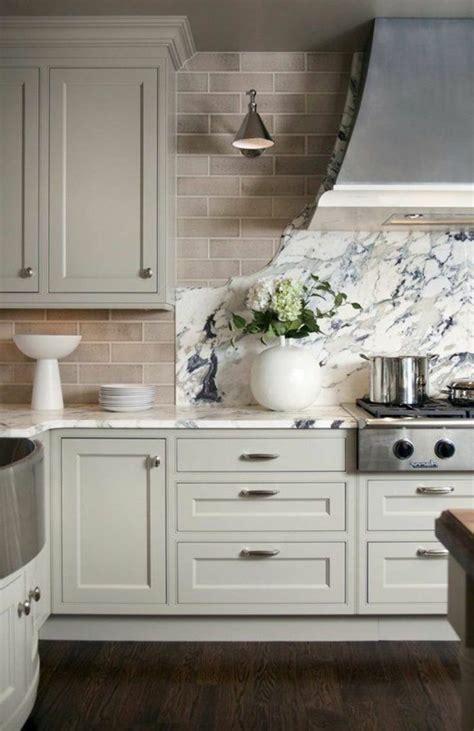 repeindre un meuble cuisine idee pour repeindre un meuble atlub com