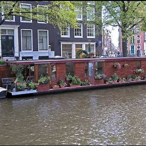Floating Homes Hamburg : 32 best images about floating house boat on pinterest floating homes hamburg and boat design ~ Frokenaadalensverden.com Haus und Dekorationen