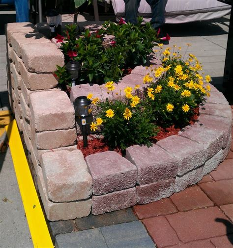 Small Planter Ideas by 11 Amazing Diy Corner Planter Ideas For Your Small Garden