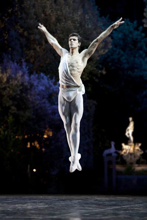 dancer roberto bolle leaps  apollo  la phil