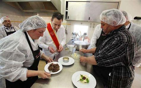 chef de cuisine salary les salariés en ré à bonne école chez le chef de
