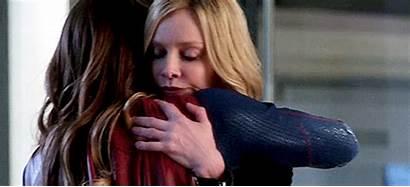 Supergirl Hugging Supercat Tv Huging Gifs Hug