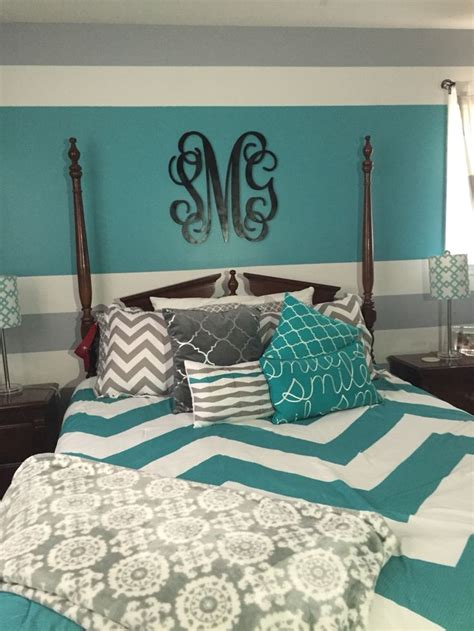 Decorating Ideas For Teal Bedroom by Best 25 Gray Turquoise Bedrooms Ideas On