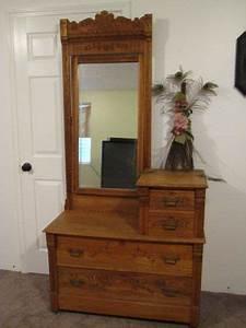Rare Antique Gentleman39s Dresser WBeveled Mirror 180039s