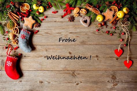 wir wuenschen eine schoene adventszeit und frohe weihnachten