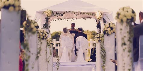 Jewish Wedding : 11 Things You Should Know Before Attending A Jewish Wedding