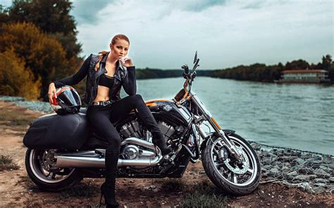 Girls On Motorcycles Wallpapers (66+ Images