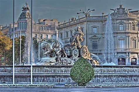 turisti per caso madrid spagna madrid plaza de cibeles viaggi vacanze e
