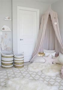 Tipi Petite Fille : 1001 id es chambre petite fille dans le domaine de sa majest ~ Teatrodelosmanantiales.com Idées de Décoration